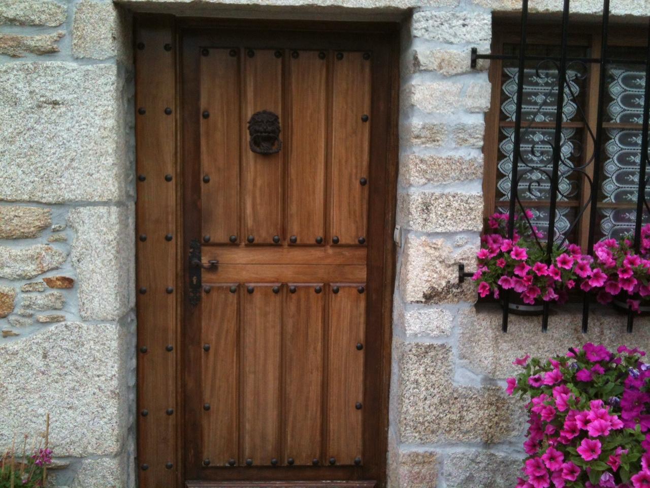 Cedria lasures y barnices - Puerta rustica exterior ...